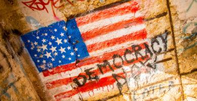 """Noam Chomsky: """"Politička klasa u SAD potkopava demokraciju"""""""