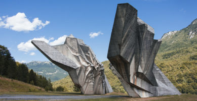 Ustav SFRJ iz 1974. – Grobar druge Jugoslavije?