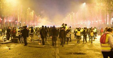 Na ulicama Francuske povijest anticipira budućnost